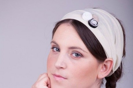 Wide headband cream